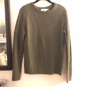 🐳 Vineyard Vines Sweater